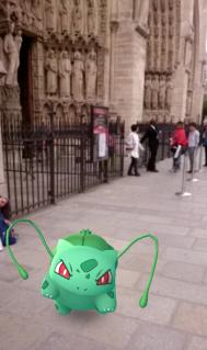 Bulbizarre sur le Parvis de Notre-Dame de Paris - Pokemon Go