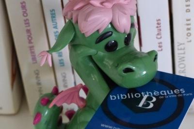 Elliot le dragon mange ma carte de bibliothèque