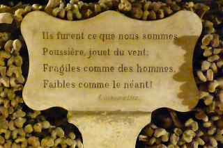 Catacombes Paris citation lamartine